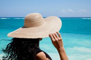 protect-your-hair-from-sun-and-humidity-1-size-3